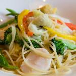 32817272 - 生帆立と季節の野菜のスパゲッティ