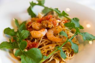 La Bazza - 海の幸とルッコラのスパゲッティトマト風味