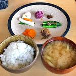 otomo - 料理写真:「otomoランチ」のご飯のお供・ご飯・味噌汁(2014年11月)