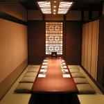 鶏料理専門店 とりかく - 掘りごたつ個室は8部屋ございます。小人数様から最大70名様まで対応