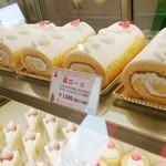 Cage - アントルメは訪問時「虜ロール」というロールケーキのみでした