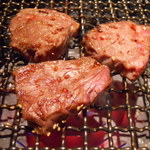 肉家焼肉ゑびす本廛 - 無煙ロースター