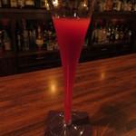 ウォータークラブ - シャンパンと木苺のカクテル