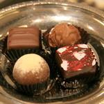 軽井沢チョコレート館 - キャラメル、フランボワーズ、アールグレイ、マカダミアン