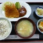 32837125 - '14/11/23 A定食(魚フライ・ハンバーグ・味噌汁・ライス付)780円