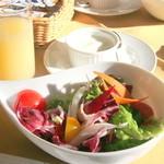 コンチネンタルルーム - 新鮮でみずみずしい軽井沢の野菜は甘みたっぷり♪