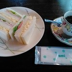 ペンションくらはし - 料理写真:イベントメニューのミックスサンドとコーヒーのセット。イベントでは500円券でOK。