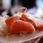 鮨栄 - 料理写真:鮭児