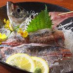 魚棚 - 料理写真:活きあじの姿造り