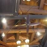 喫茶 蔵 - 屋根は木組み