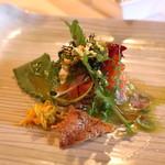 エルミタージュ ドゥ タムラ - ノルウェーサーモンのマリネ、サラダ仕立て (2014/11)