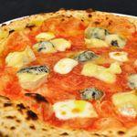 ラプソディア - 料理写真:クアトロフォルマッジ
