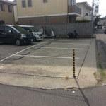 廻転寿司 海鮮 - 第2?駐車場  すでに10台近く停めてあります