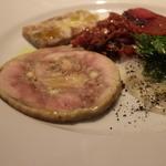 32869507 - 前菜5種盛り合わせ 近江黒鶏のテリーヌ、豚のほった、きはだまぐろ、きゃべつ