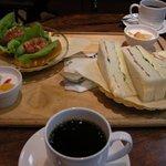 カフェグラン - 「モーニングA」「モーニングB」(各880円)