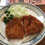 とんかつ 八千代西店 - ロース定食 1350円。