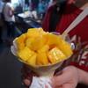 六合老牌木瓜牛奶 - 料理写真:芒果雪花冰(マングォシエホワビンTWD100)