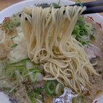 来来亭 - 細めのストレート麺