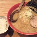 鈴木味噌ラーメン店 - 特濃味噌ラーメン(一口ライス付き)