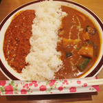シヴァ - 【限定10食】赤坂Wカレー800円にしました。 キーマドライカレーと野菜カレーの2種盛りです。 ボリュームありますよ。