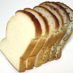 ベーカリー ビバ・オーミヤ - 料理写真:山食パン3種セット(\300、2014年10月)