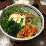 三国一 - 豚丸(豚キムチうどん)950円