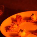 バー トタン  - クラッカーの上には生ハム、かぼちゃ、ポテトなど