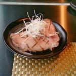 32899457 - チャーシュー淡麗鶏だしらーめんのチャーシューは別盛りで提供される。