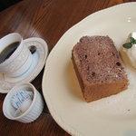 cafe mimosa - ココアシフォンケーキとコーヒー