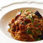 生ウニとナスのじっくり煮込んだトマトソーススパゲッティーニ