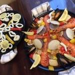 カフェ ハイビスキャット - イカスミパエリアとどっさり海鮮パエリア