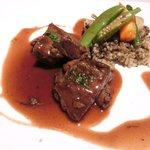 ゴーシェ - ランチコース 1800円 の仔羊肩肉のプレゼ赤ワイン風味 きの子のピラフとともに