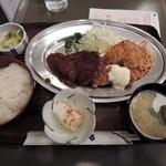 ぶらじる - 広島盛りはハンバーグとカキフライ