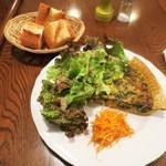 カフェ ミミ - お昼のプレート 本日のキッシュ