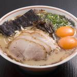 黒亭 - 料理写真:玉子入りラーメン 900円