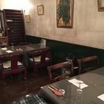クチーナ・カーサ - カウンターの有る部屋のテーブル席