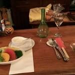 クチーナ・カーサ - テーブル風景 お箸もしっかと