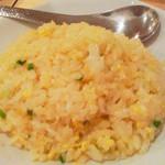 32930799 - 麺セットの炒飯+唐揚げ2ケ(500円)の炒飯