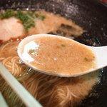 大牟田とんこつ屋 龍鳳  - スープ