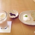 和みのひと時 こころ塾 - ケーキセット(ゴーヤのシフォンケーキ)