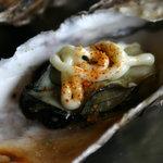 世古牡蠣店 - 七味マヨネーズにしてみました。これが以外に美味しい