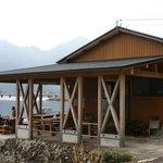 世古牡蠣店 - 湖のそばで食べ放題