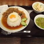 渋谷 ガパオ食堂 - ガパオごはん(目玉焼き付き)でございます