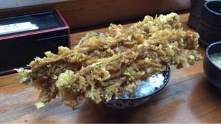 深川つり舟 - 穴子天丼(1200円税込)。穴子のインパクトが全てを物語る!意外に食べやすいです♪