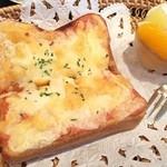ワイズカフェ - 明太子チーズトースト
