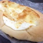 ベーカリーゴアール - クワトロチーズ