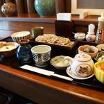 みのり - せいろの小膳にオプションを付けると、画面からはみ出すくらい豪華な膳に