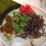 博多天神 - +キクラゲ。最初から辛子高菜・紅ショウガをどっさり!