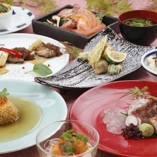季節の食材や熊本の素材を使用した充実の飲み放題付きコース。