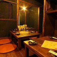 九州 かしわや - お篭り感のたっぷり…1F掘りごたつ席。おうち気分で寛いで。